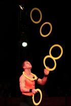 Jongliershow Zirkusshow Showact Jonglage