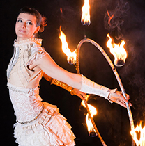 Showacts Feuershow Lisa Looping
